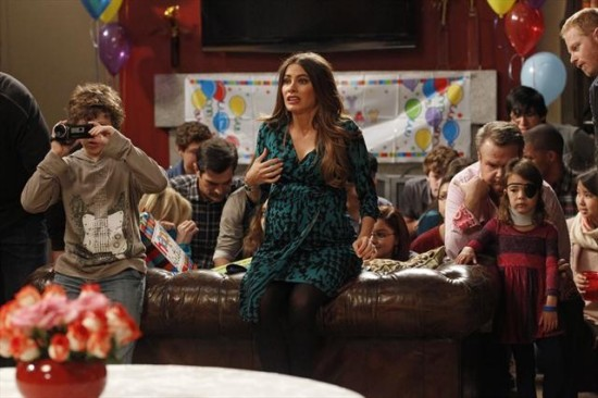 Modern Family Season 4 Episode 12 Party Crasher (4)