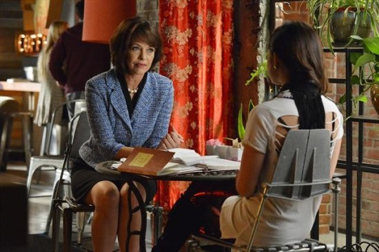 Pretty Little Liars Season 3 Episode 20 Hot Water (1)