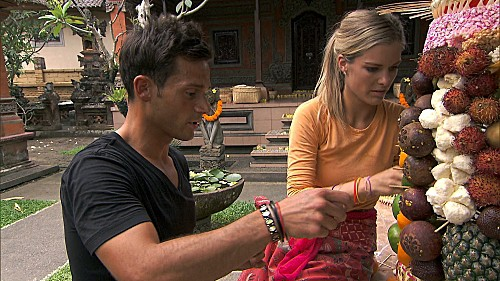 The Amazing Race 2013 Season 22 Episode 4 I Love Monkeys (1)