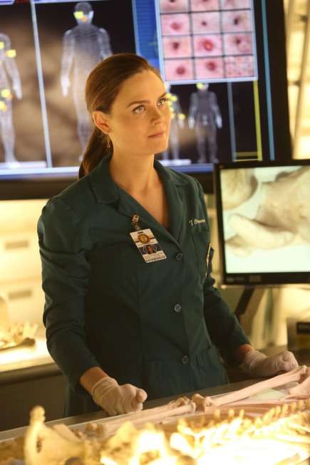 Bones Season 8 Finale The Secret In The Siege 14