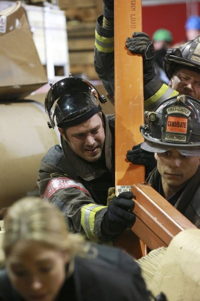 Chicago Fire Episode 20 Ambition  (4)