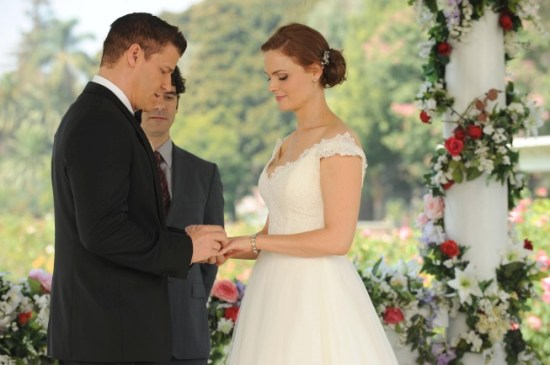 Bones Season 9 Episode 6 The Woman in White 7