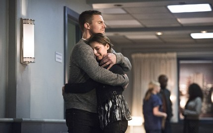 "Arrow -- ""Canary Cry"" -- Image AR419a_0049b.jpg -- Pictured (L-R): Stephen Amell as Oliver Queen and Willa Holland as Thea Queen -- Photo: Dean Buscher/The CW -- © 2016 The CW Network, LLC. All Rights Reserved."