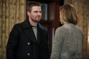 "Arrow -- ""Invasion!"" -- Image AR508a_0172b.jpg -- Pictured (L-R): Stephen Amell as Oliver Queen and Katie Cassidy as Laurel Lance -- Photo: Bettina Strauss/The CW -- © 2016 The CW Network, LLC. All Rights Reserved."
