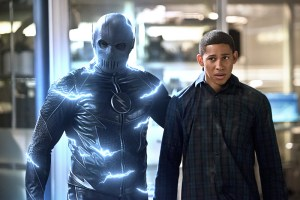 "The Flash -- ""Versus Zoom"" -- Image: FLA218b_0049b2.jpg -- Pictured (L-R): Zoom and Keiynan Lonsdale as Wally West -- Photo: Diyah Pera/The CW -- © 2016 The CW Network, LLC. All rights reserved"