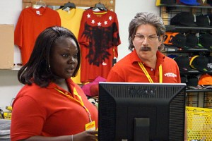 Undercover Boss Forman Mills Season 6 Episode 8 09