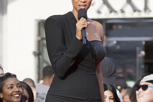 "America's Next Top Model -- ""The Guys And Girls Make It To Hollywood"" -- Image: TM2201A_0169-- Pictured: Tyra Banks -- Photo: Aaron Epstein/The CW --  © 2015 The CW Network, LLC. All Rights Reserved"