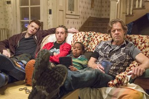 Cameron Monaghan as Ian Gallagher, Ethan Cutkosky as Carl Gallagher, Brandon/Brenden Sims as Liam Gallagher and William H. Macy as Frank Gallagher in Shameless (Season 6, episode 1) - Photo: Cliff Lipson/SHOWTIME - Photo ID: shameless_601_2623