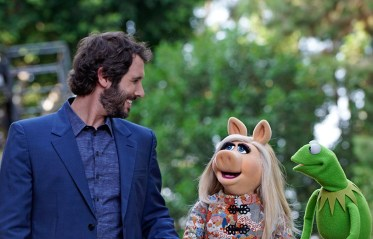 The Muppets - Hostile Makeover