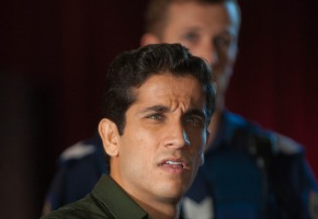 HH B6 D8 520  Firass Dirani as Justin Baynie in HOUSE HUSBANDS (Series 3). A Playmaker Production for the Nine Network. Photo J