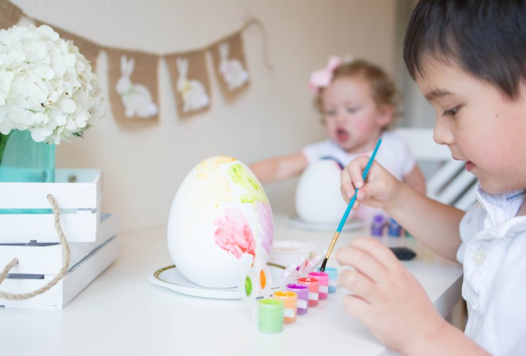 {Easter} Kids Decorating Party
