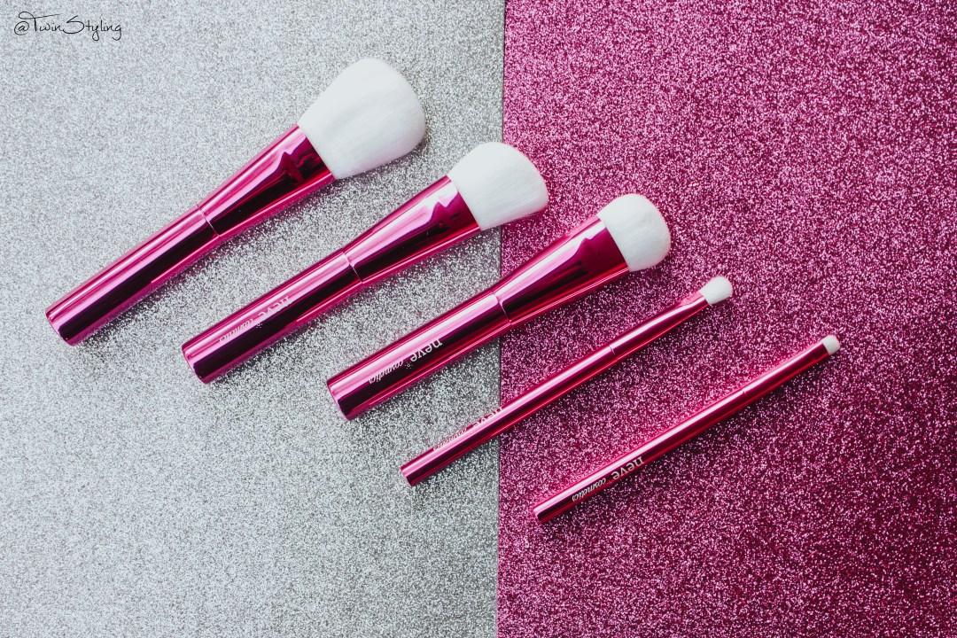 Alzalea Brushes - Neve Cosmetics.