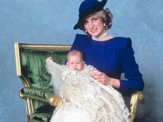royal-christening-gown-3-537x402