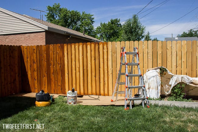Twofeetfirst how to stain a fence with ready seal for Oil based fence paint