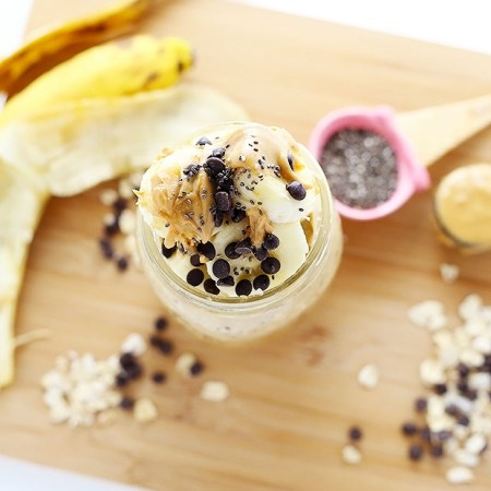These Peanut Butter Overnight Oats are super quick and easy to make, super healthy, and it's like eating dessert for breakfast! Vegan and Gluten Free! PLUS a how-to video