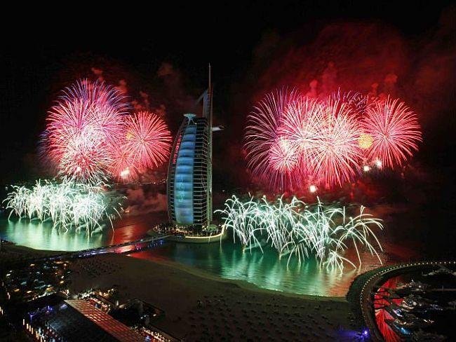 Dubai New Year Fireworks Burj Khalifa
