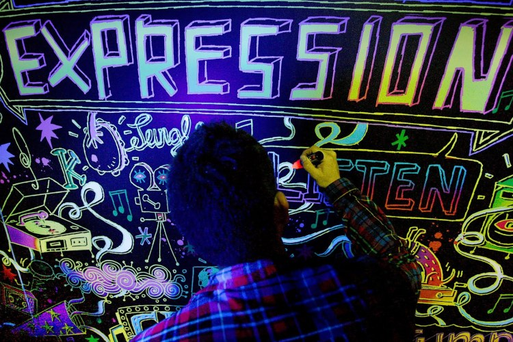 The crme of the art world dance to a UV beat with Heineken Expr
