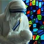 الام تيريزا قديسة