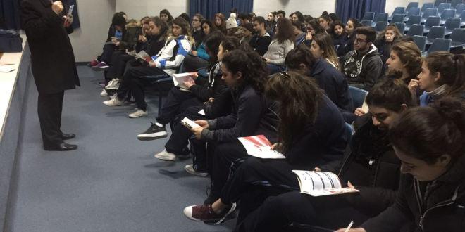 """""""لابورا"""" تنظم لقاءً توجيهياً في مدرسة العائلة المقدسة الفرنسية – ساحل علما"""