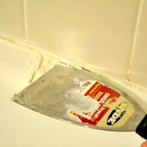 Re-caulking Your Shower: Part I (Prep)