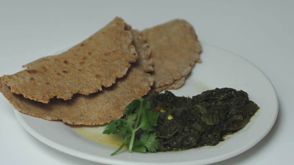 Saag with Jowar, flax meal roti