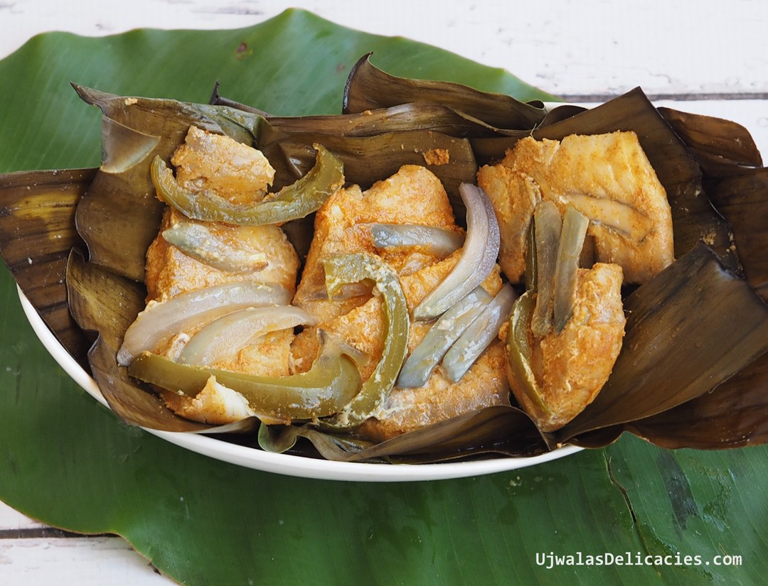Fish baked in Banana Leaf wrap