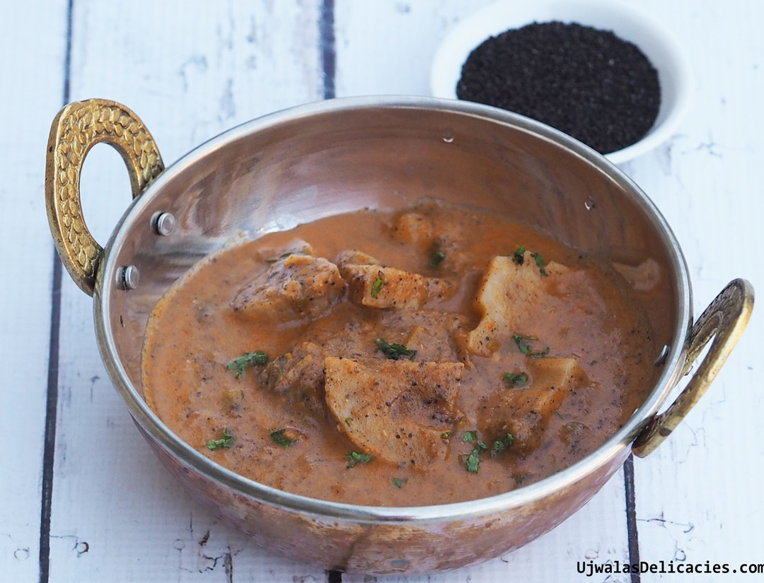 Lotus root curry in onion, poppy seed sauce