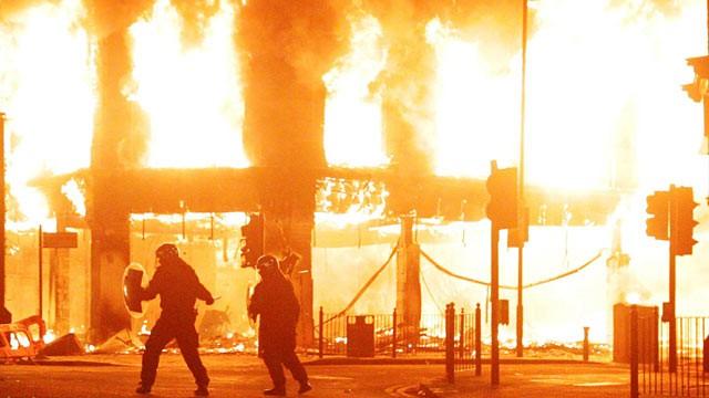 trazirat ne Londer, gusht 2011