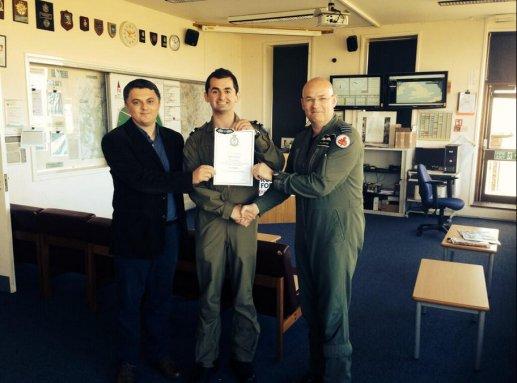 Kadeti Veton Breznica sapo ka mbaruar trajnimin një vjeçar të drejtimit të fluturakes pa motor në këtë bazë ushtarake.