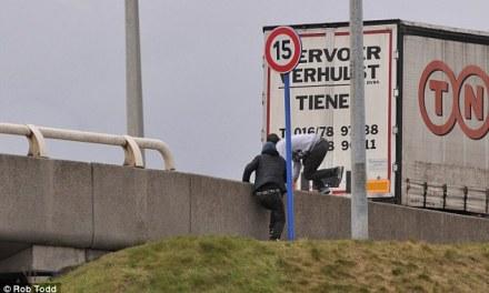 <!--:sq-->Japin edhe jetën e tyre qe të arrijnë në Britani: katër imigrantë përfshi një shqipar vdesin në Calais brenda një jave<!--:-->