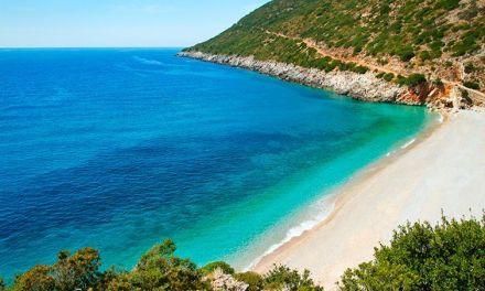 <!--:en-->Albanian Riviera among five hot European travel destinations for Summer 2015<!--:-->