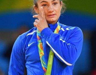 CNN: Majlinda Kelmendi wins gold medal for Kosovo's first Olympics