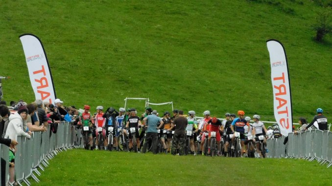 Line up for the Elite race.