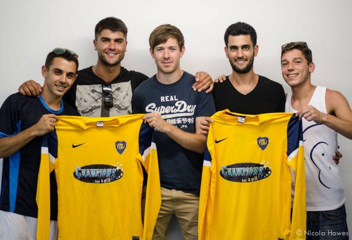 Por que existe um Boca Juniors em Gibraltar?