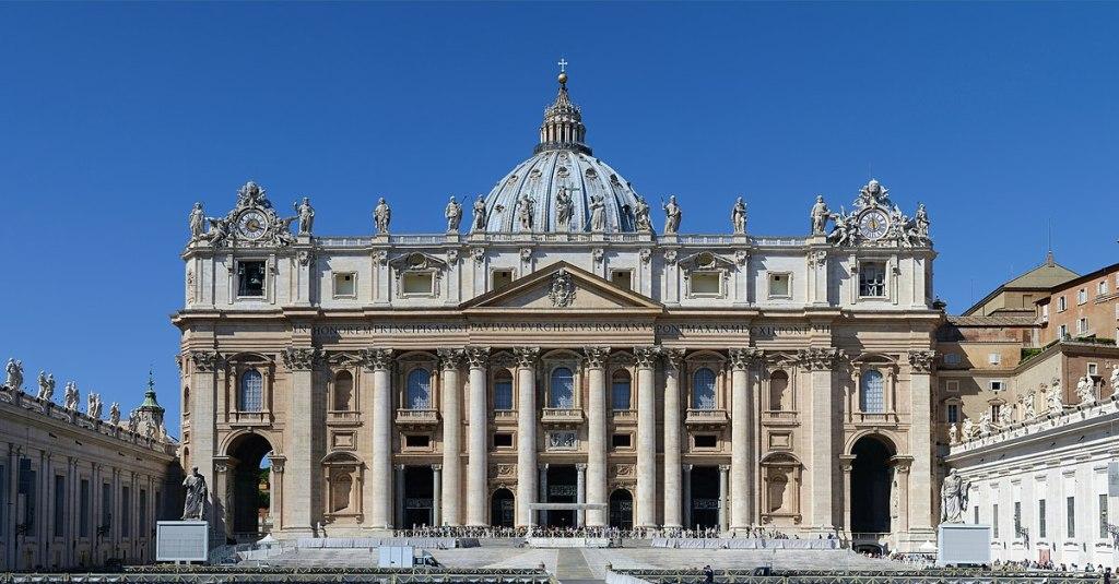 1200px-Basilica_di_San_Pietro_in_Vaticano_September_2015-1a