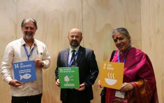 Dr. Alfonso Aguirre-Muñoz, Executive Director of Grupo de Ecología y Conservación de Islas, A.C. (Mexico) Dr. Yury Darman, Director of WWF-Russia Amur Branch (Russia) and Dr. Vandana Shiva, Founder and Director of Navdanya (India)