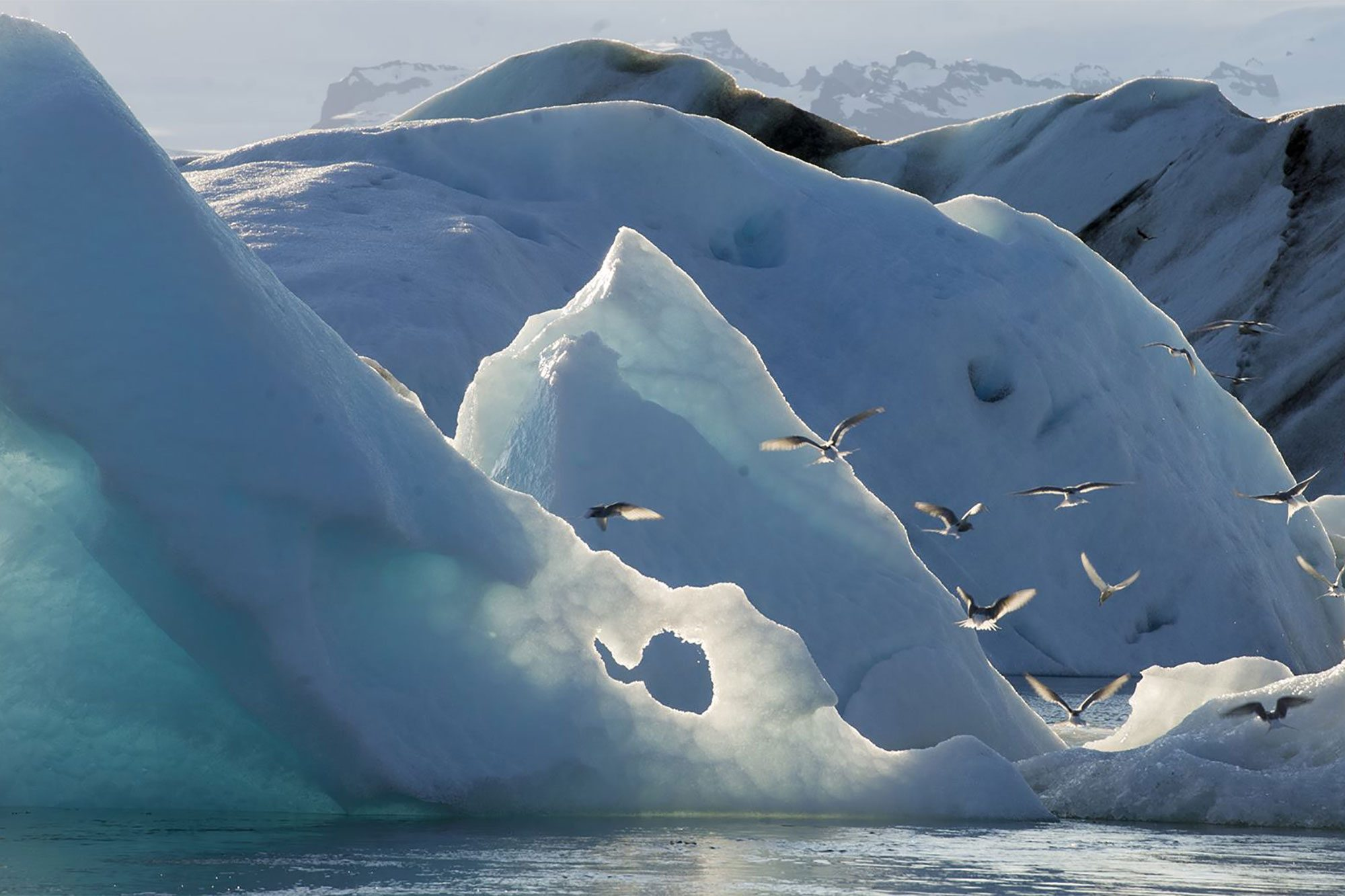 Masses of ice on Jökulsárlón glacial lagoon in south-east Iceland in June 2013. UN Photo/Eskinder Debebe
