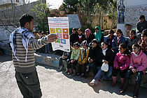 Youth Volunteers using theatre to teach about the MDGs in Palestine (UNV, 2009)