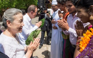 Secretary-General Ban Ki-moon and wife, Yoo Soon-taek, greet participants at the youth event in Galle, Sri Lanka. UN Photo/Eskinder Debebe