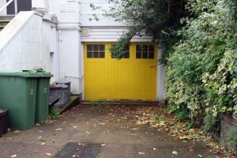 Londres en otoño garaje amarillo
