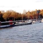Barcos en Chelsea Embankment.