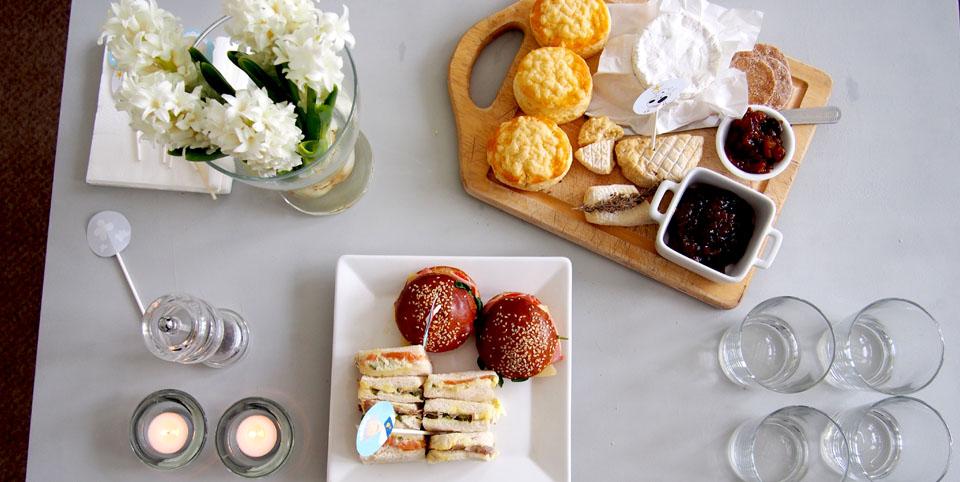 Qué es un afternoon tea mesa