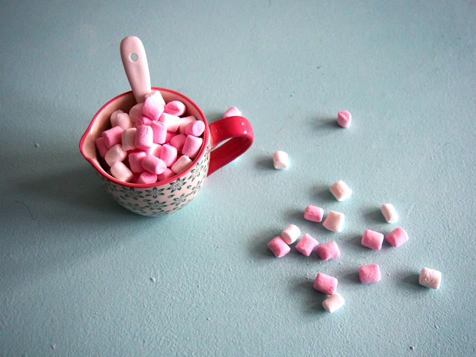 Chocolate caliente con marshmallows nubes