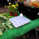 Huevos y flores.