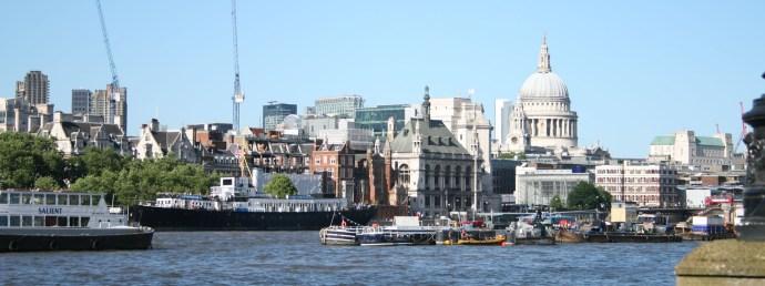 St Paul's visto desde Southbank Londres