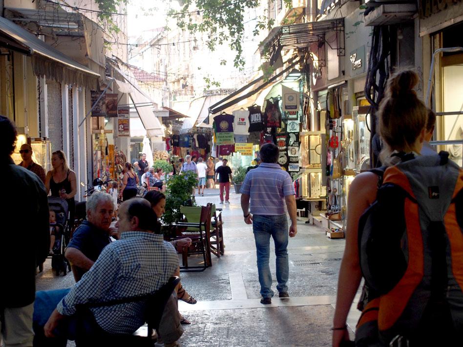 Grecia Atenas Calle Pandrossou ambiente