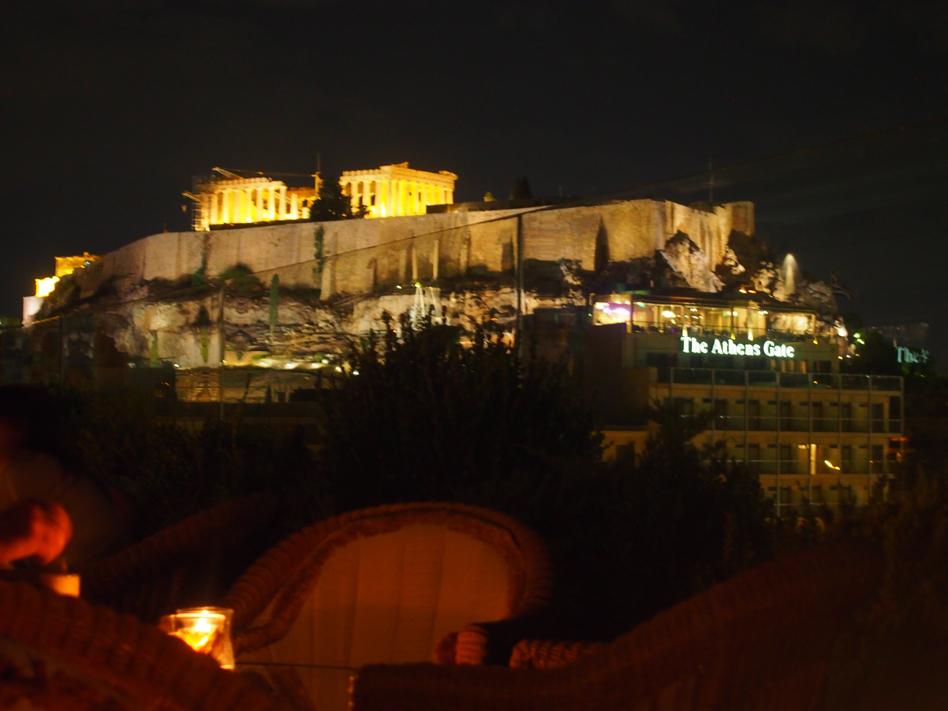 Vistas de la Acrópolis de noche desde hotel Atenas