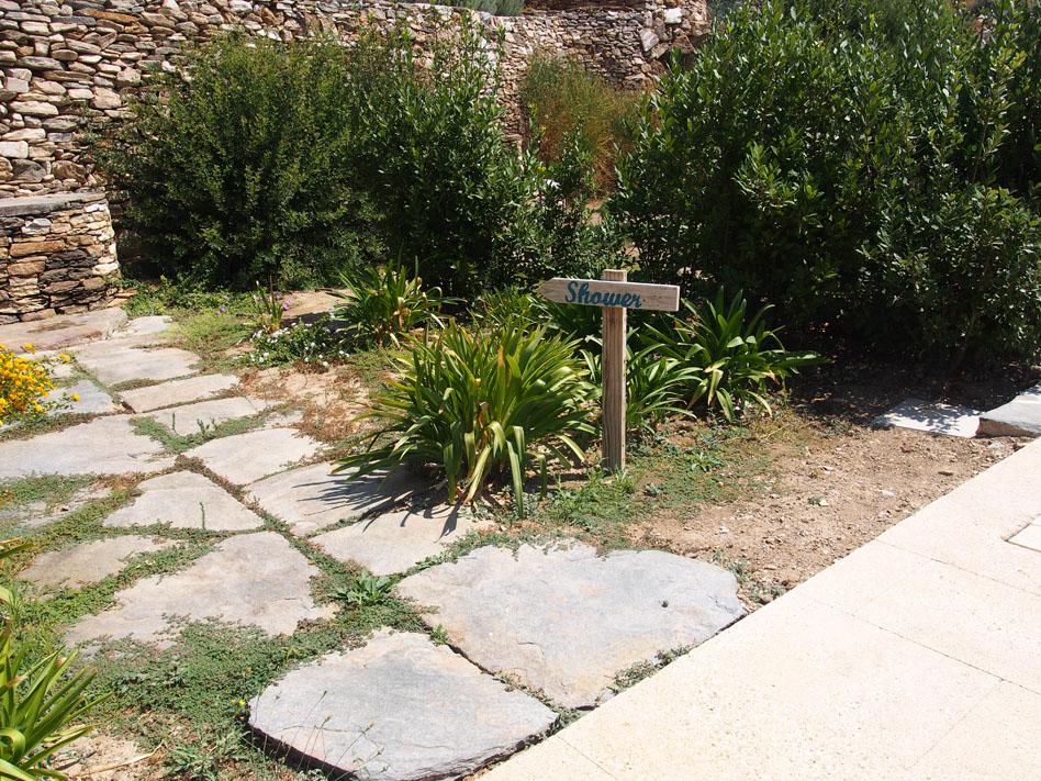 Hotel Kamarotí en Sifnos camino