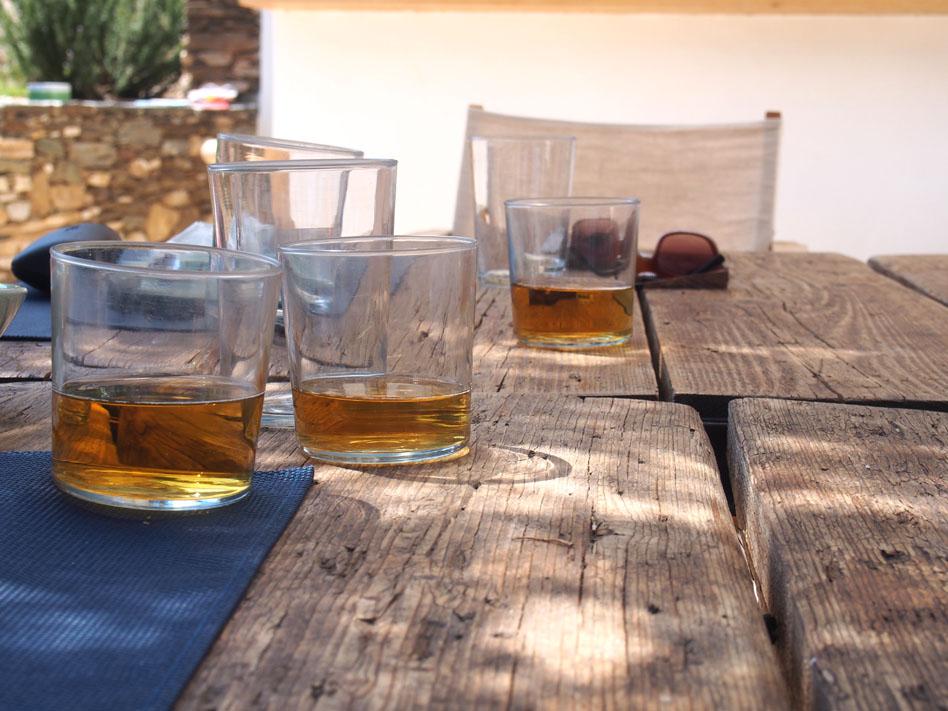 Hotel Kamarotí en Sifnos cervezas
