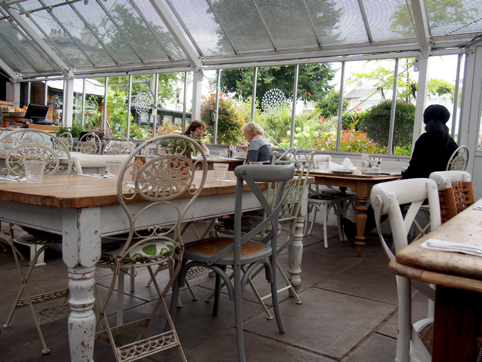 Clifton Nurseries café ambiente